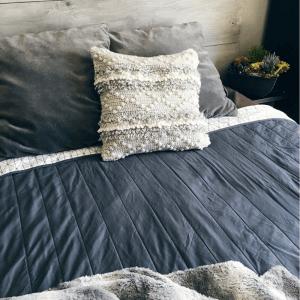 modern crochet cushion cover pattern