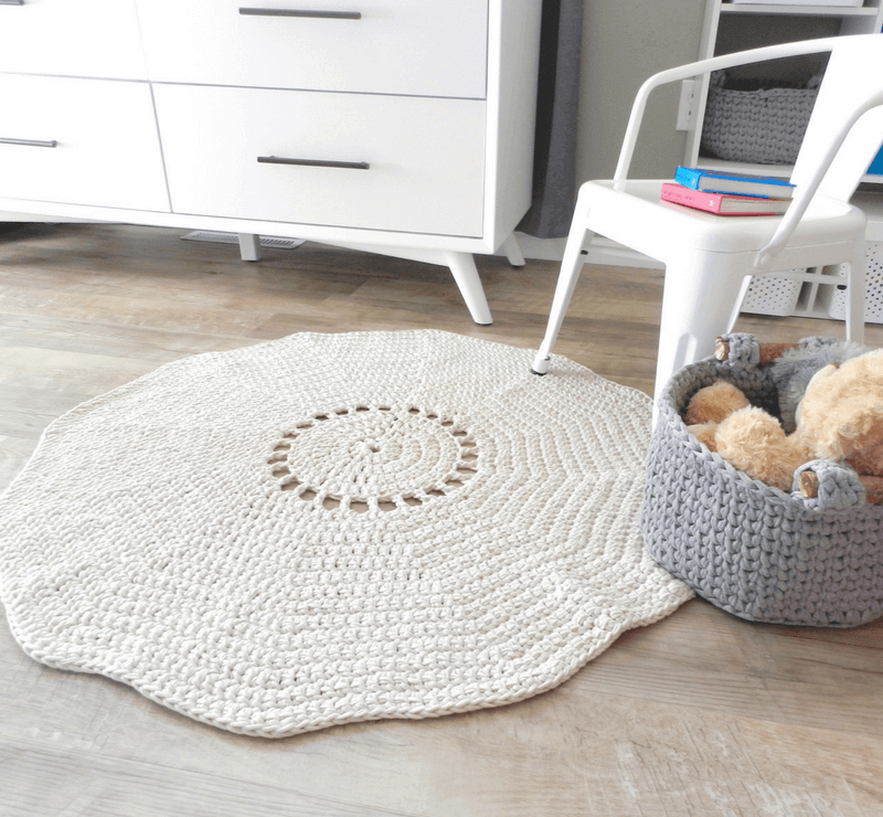 A Simple Crochet Rug Pattern That Uses The Best Yarn For Rugs