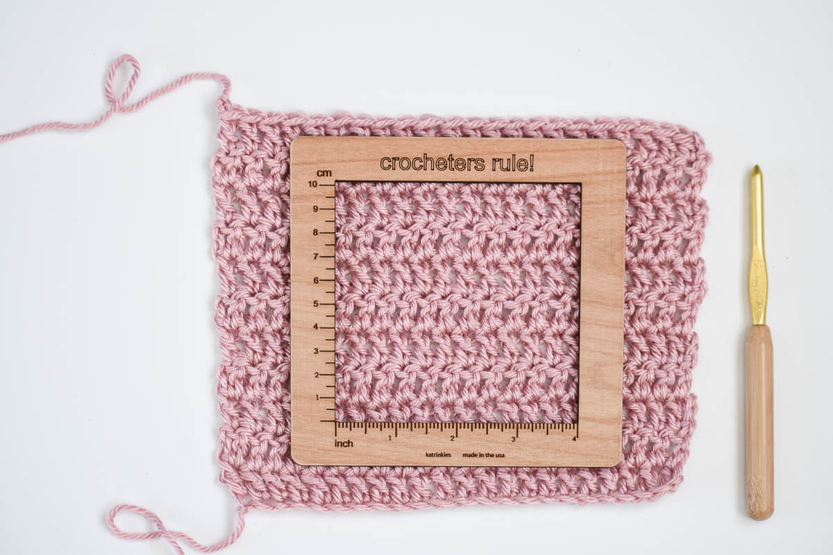 how to make a crochet gauge swatch correctly