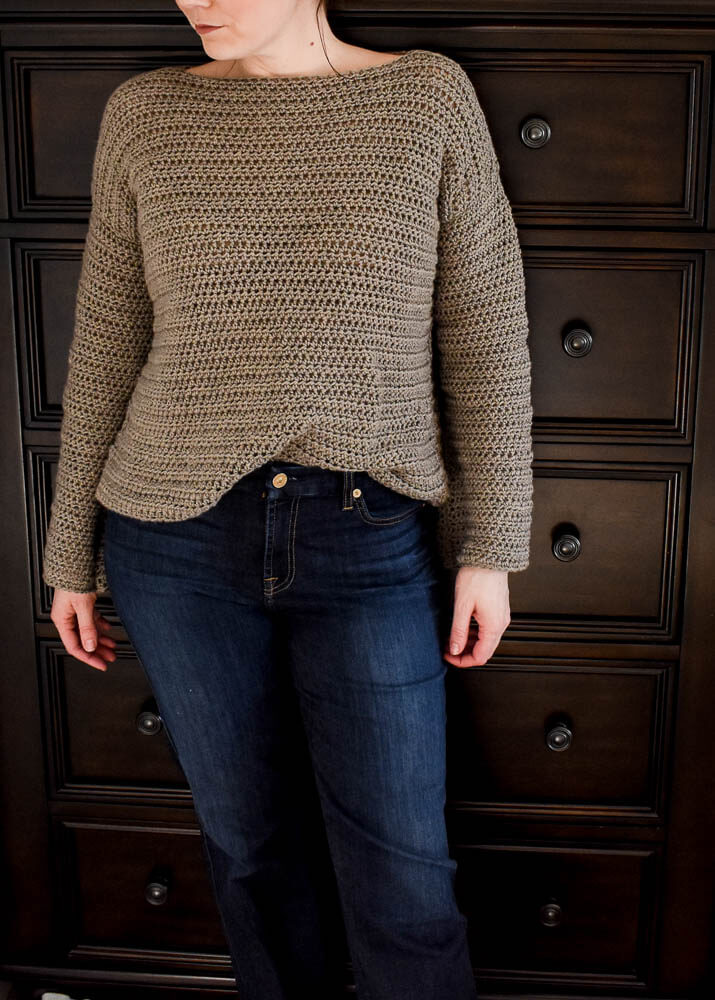 d9152719608cd free sweater crochet pattern for women. Plus sizes included in the free  crochet pattern.