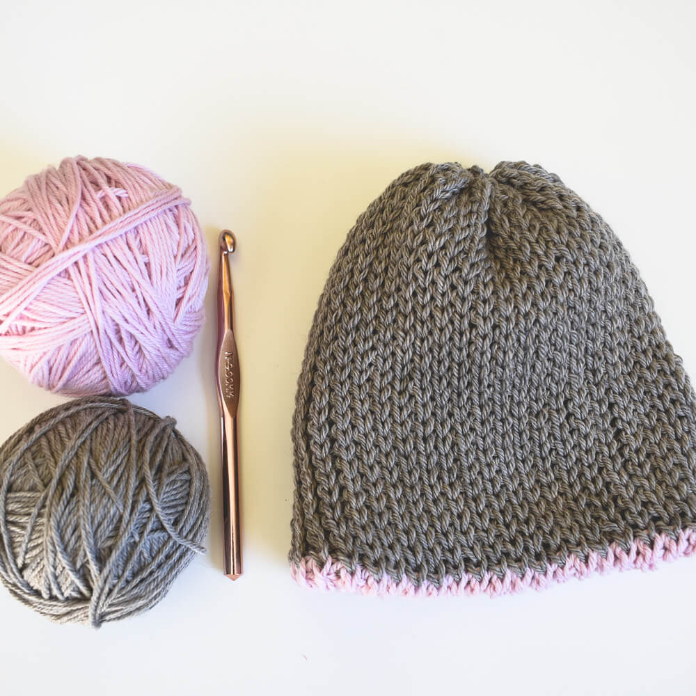crochet beanie pattern free. The beginner crochet pattern comes in toddler, child and adult sizes.