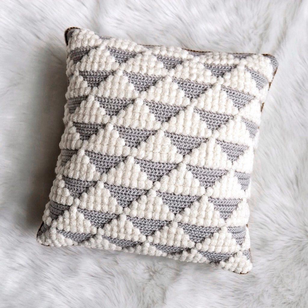 crochet pillow pattern with diamonds